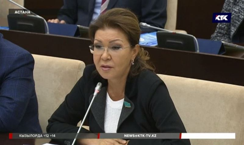 Сенатор Назарбаева рассказала министру, как улучшить работу центров занятости