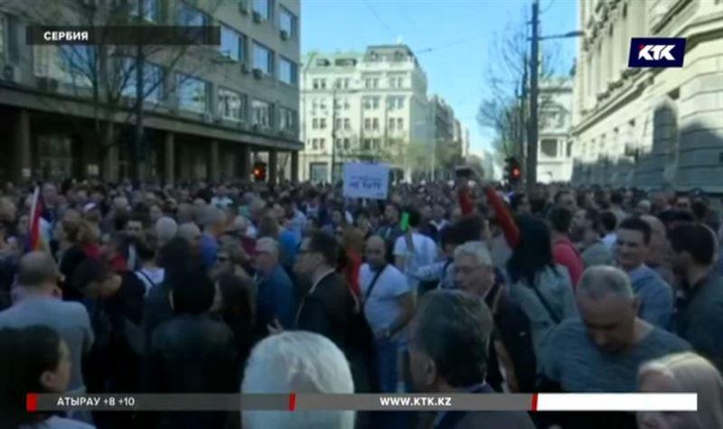 Митинг в Сербии перерос в массовые беспорядки