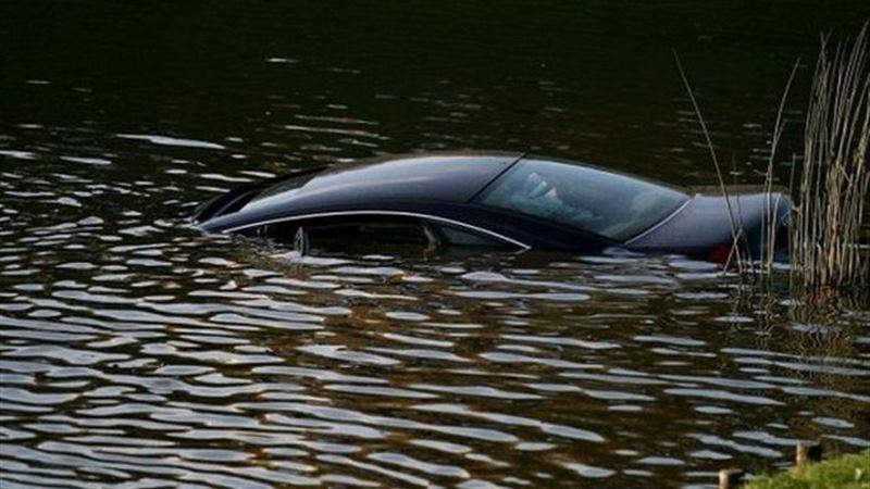 Балқашта 3 жолаушысы бар көлік суға батып кетті