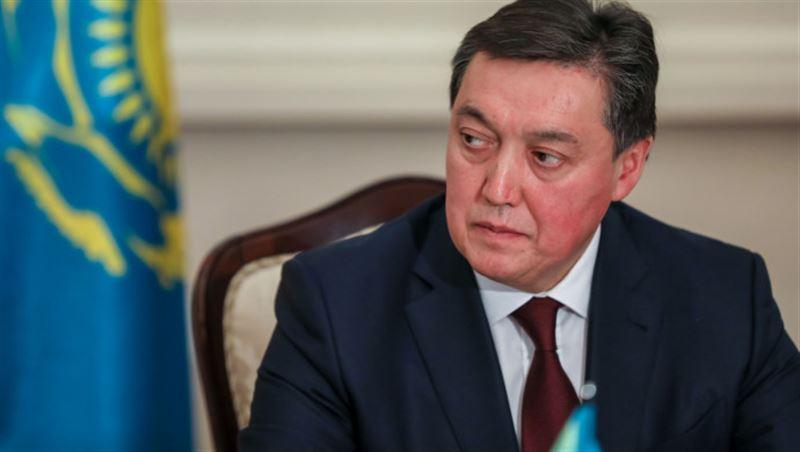 Премьер-министр Аскар Мамин назвал сроки выдачи жилья для многодетных семей в Казахстане