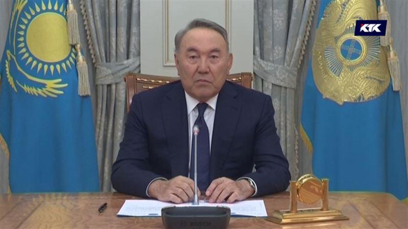 Нурсултан Назарбаев сложил с себя полномочия президента