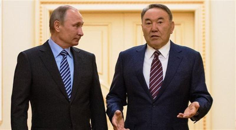 Стало известно, о чем Назарбаев говорил с Путиным по телефону перед отставкой