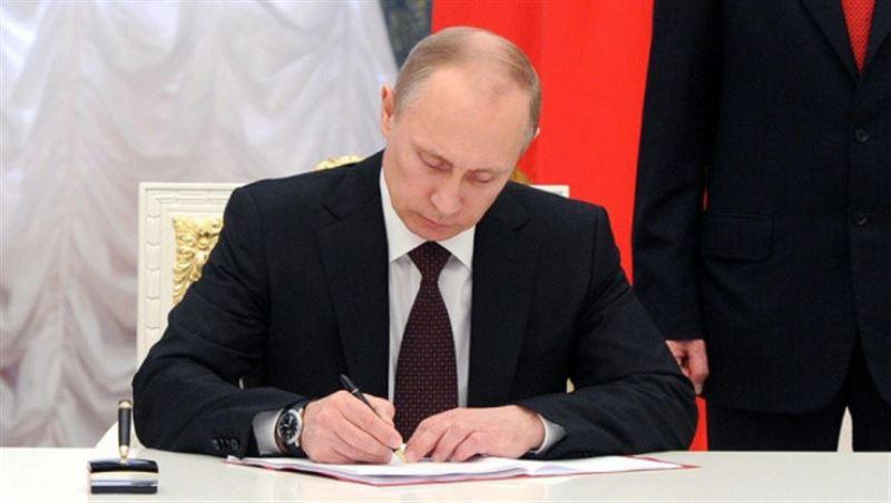Путин поздравил Токаева со вступлением на должность главы Казахстана