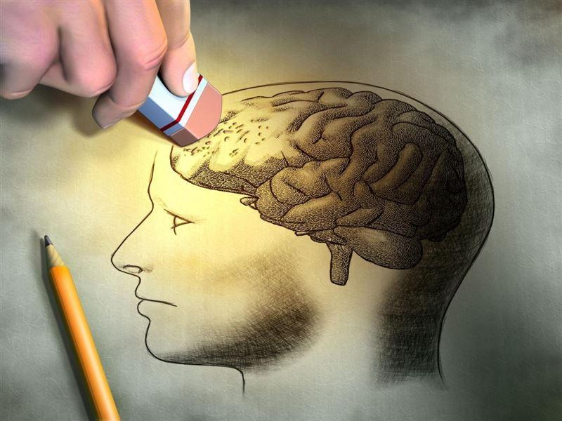 Ученые назвали причины появления провалов в памяти