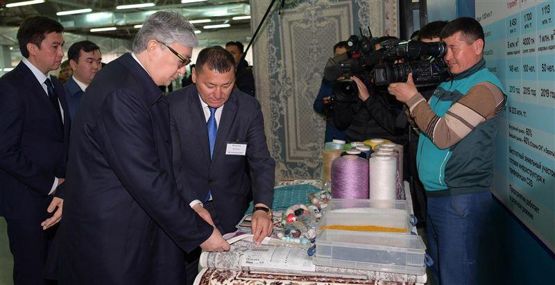 Касым-Жомарт Токаев посетил ТОО «AZALA Textile» и ТОО «MEDIKER 4K» в Шымкенте