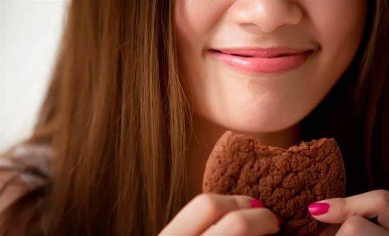 Бойжеткен печенье жеуден жарысып жатып қайтыс болды