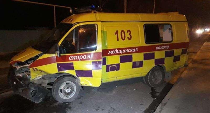 Скорая перевернулась в результате ДТП в Алматы