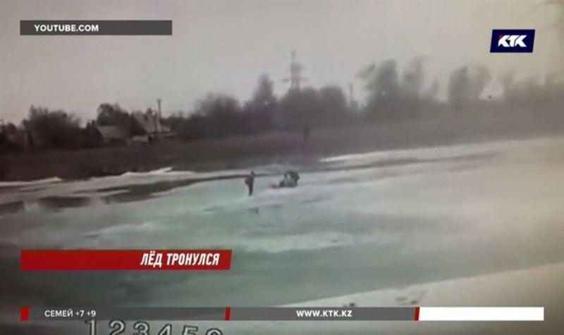 Спасавшие рыбака, провалившегося под лёд, едва не погибли сами