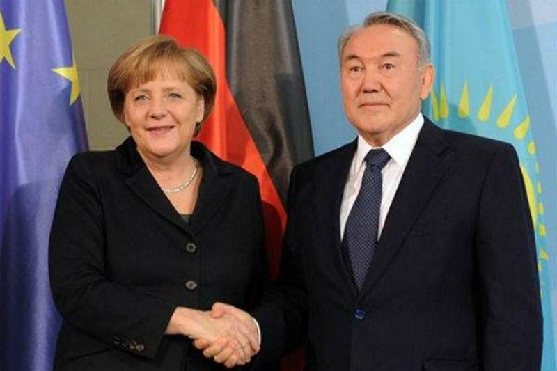 Назарбаев и Меркель провели телефонный разговор