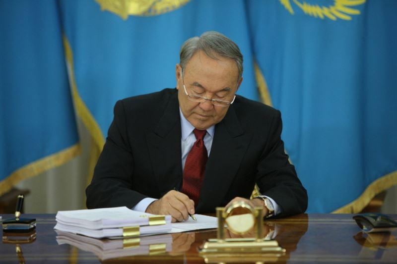 Елбасы Нурсултан Назарбаев направил телеграмму соболезнования родным погибших при крушении вертолета