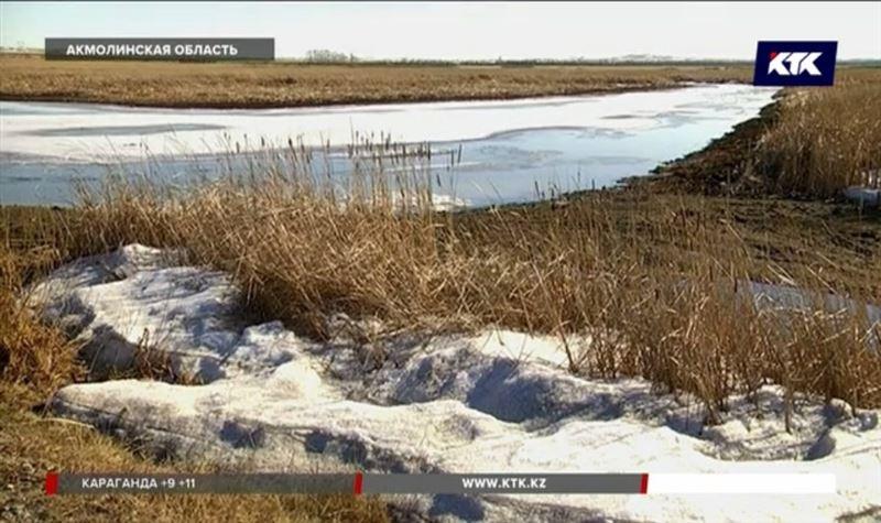 Растаявший на реке лёд был единственным «мостом» для жителей акмолинских сёл