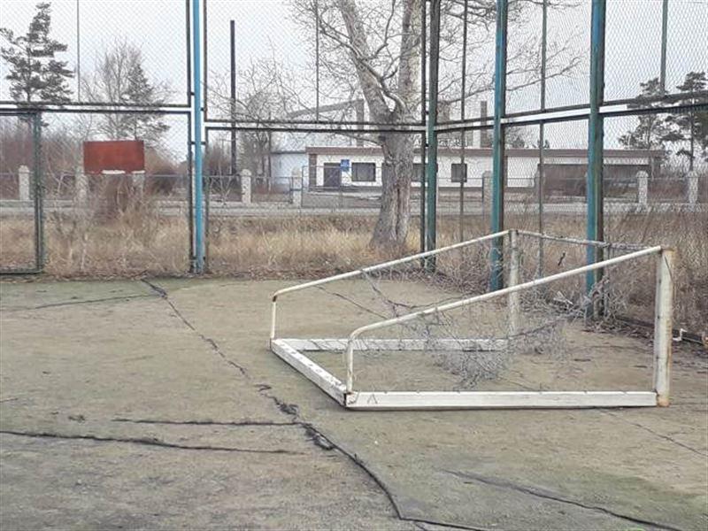 В Павлодарской области на школьника упали футбольные ворота