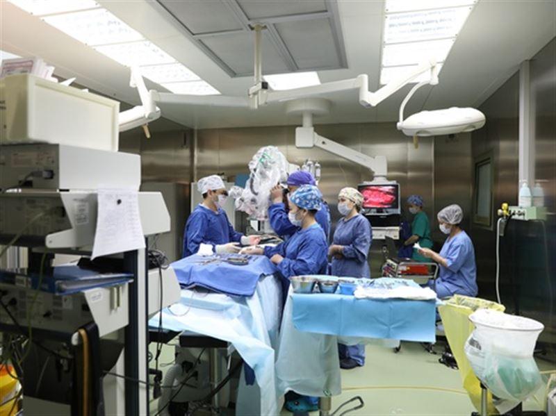 Столичные врачи провели уникальную операцию на мозге