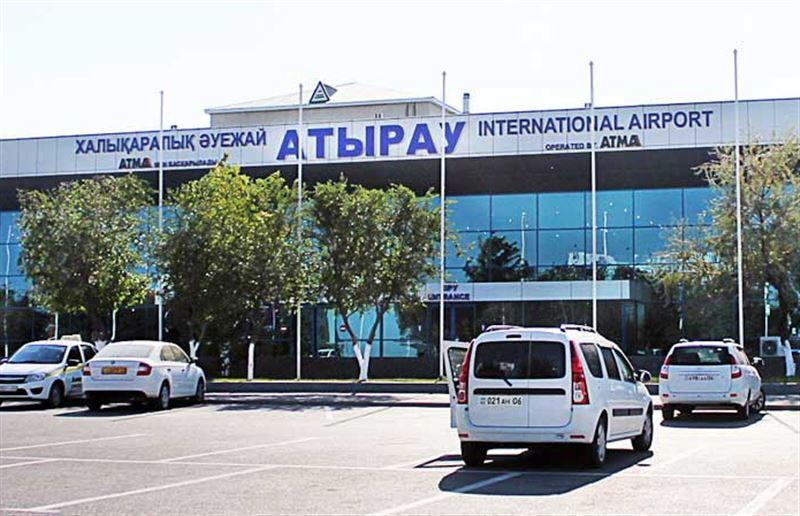 Полицейский, выстреливший в женщину в аэропорту Атырау, лишился работы