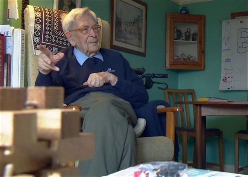Старейший житель Британии раскрыл секрет, как дожить до 111 лет