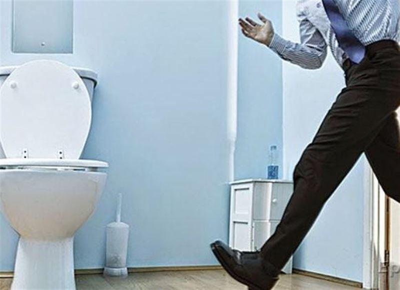 Ученые связали ночные походы в туалет с опасным недугом