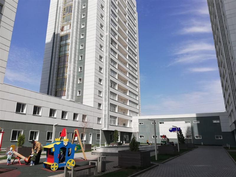 Школьник выпал из окна на 13 этаже в Шымкенте