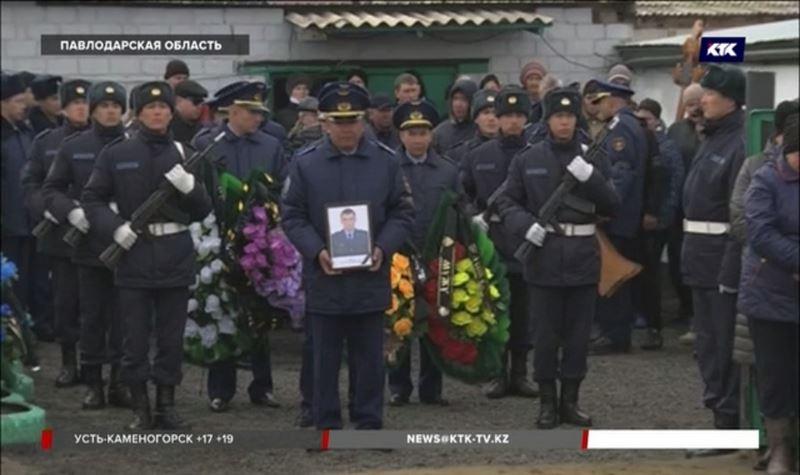 «Каждый являлся настоящим патриотом» - в Казахстане простились с погибшими военными