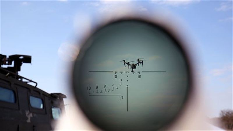 Военные пресекли полет квадрокоптера над зданием Минобороны