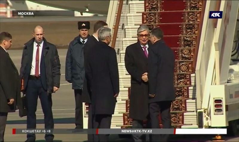 Токаев совершил первый иностранный визит в качестве президента