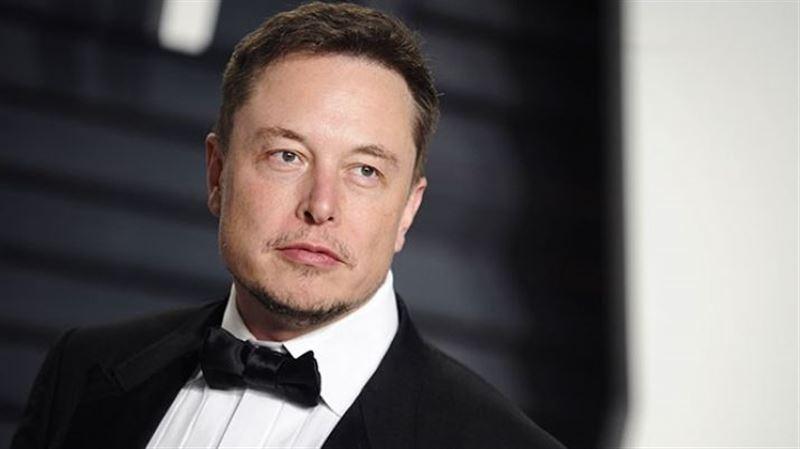 Илон Маск екі минутта 1 млрд долларынан айырылып қалды