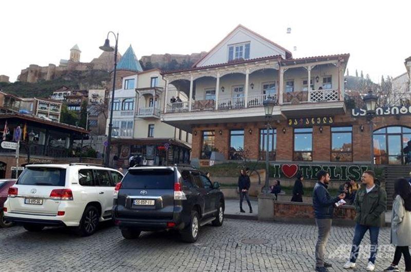 Власти Грузии отменили выпускные экзамены в школах