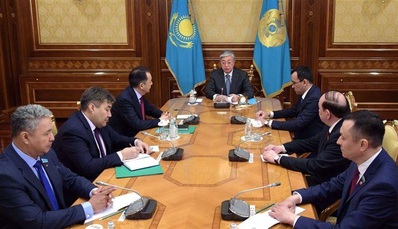 Токаев встретился с представителями политических партий