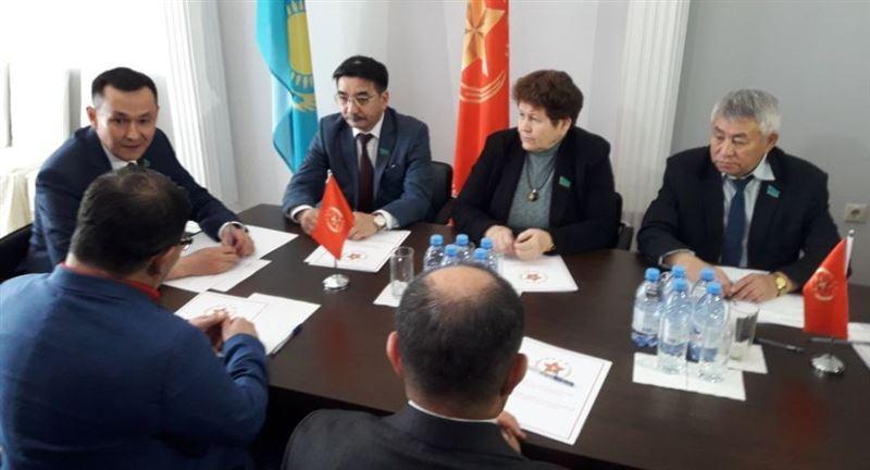 Коммунистическая партия 26 апреля выберет своего кандидата на пост главы Казахстана