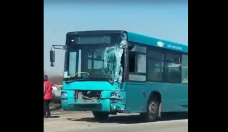 В Караганде произошла авария с участием трех автобусов