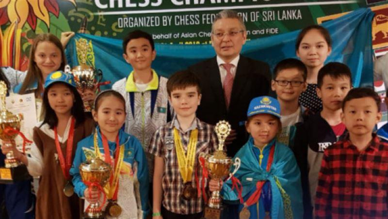Юные казахстанские шахматисты завоевали 18 медалей на Чемпионате Азии