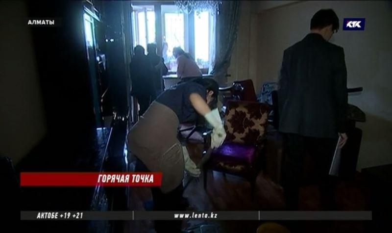 Как после погрома: квартиры алматинцев залиты кипятком после порыва теплотрассы