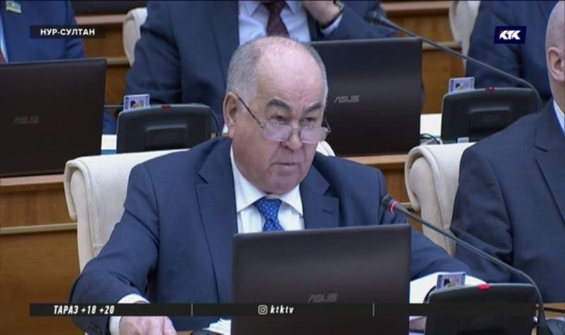 «Дядя, закройте в нашем подъезде 8 борделей» - депутату Косареву не нравится посуточная аренда квартир