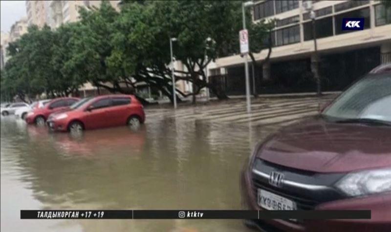 Сильнейшее наводнение в Рио-де-Жанейро