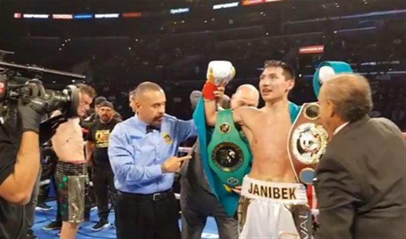 Жанибек Алимханулы стал обладателем поясов WBO и WBC
