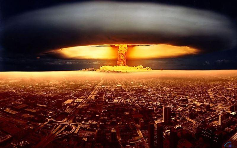 СМИ: Только женщины могут остановить ядерный апокалипсис