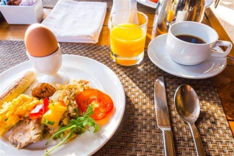 Отказ от завтрака и поздний ужин повышают риск смерти от инфаркта в 5 раз