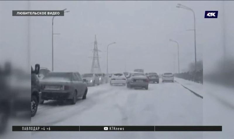 Вернувшаяся в Казахстан зима обернулась скандалами и десятками ДТП