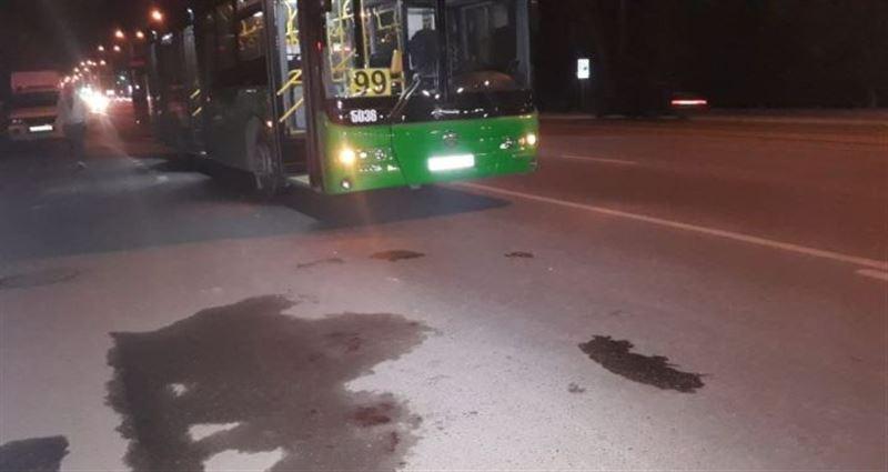 Автобус на полном ходу врезался в пешехода в Алматы