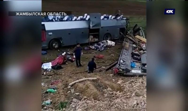 Автокатастрофа в Жамбылской области: новые подробности с места трагедии в «Больших новостях»