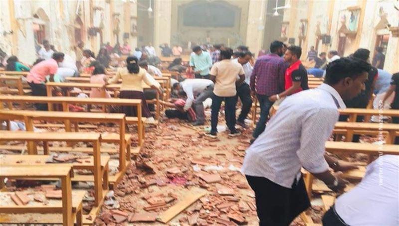 В Шри-Ланке во время празднования Пасхи прогремели взрывы, более 80 человек ранены