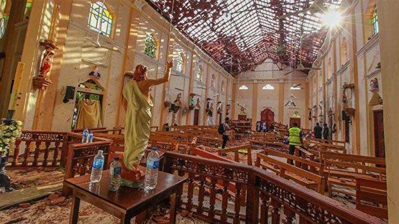 Число погибших при взрывах на Шри-Ланке достигло 262 человек