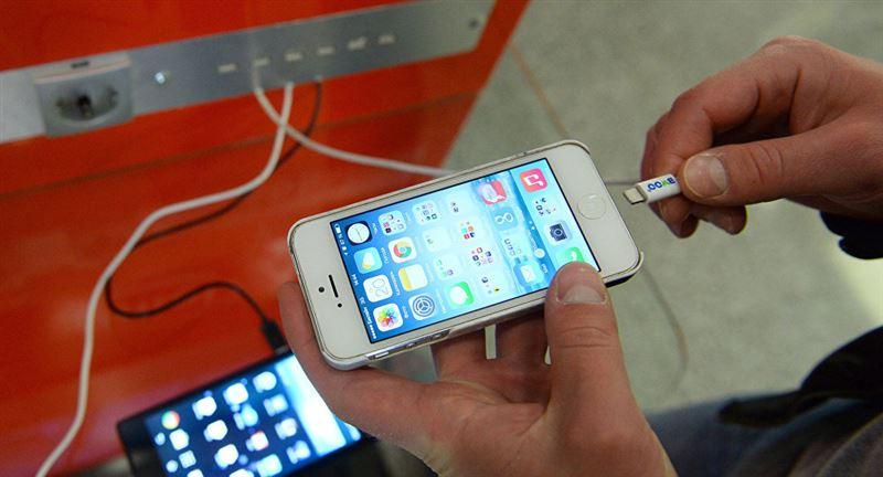 Ғалымдар смартфонды неге толығымен қуаттандыруға болмайтынын түсіндірді