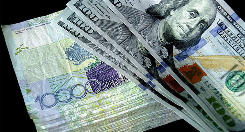 Средневзвешенный курс доллара составил 377,49 тенге
