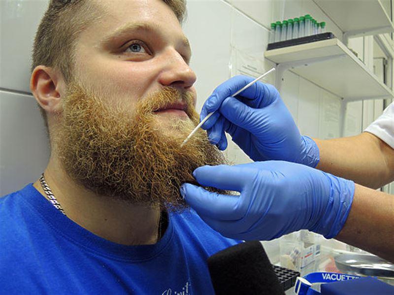В мужской бороде бактерий больше, чем в шерсти собак