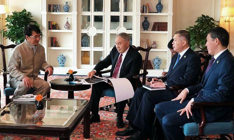 Назарбаев актер Джеки Чанмен кездесті: Фото