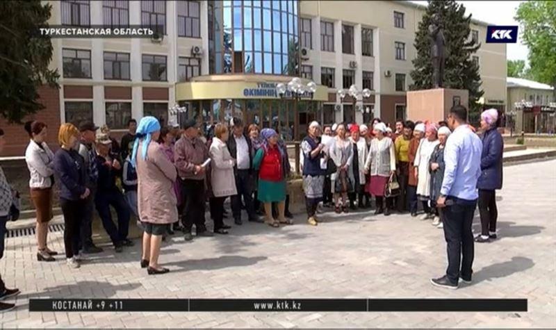 Техперсонал школ в Туркестанской области отказывается переходить в частные компании