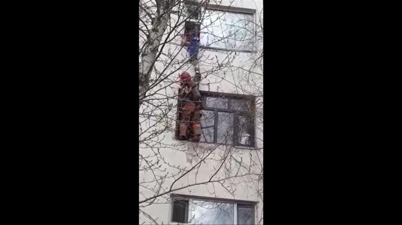 Пожар вспыхнул в столичном общежитии