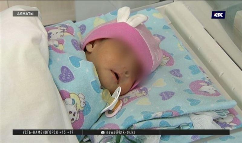 Уникальную операцию сделали новорождённой девочке медики Алматы