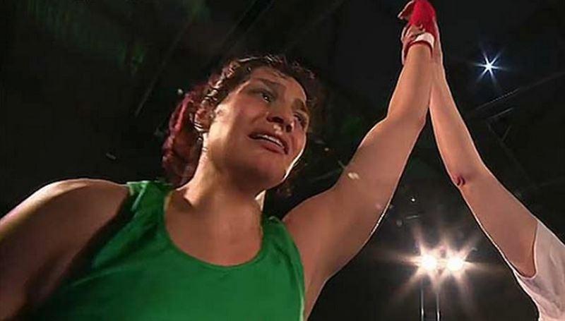 Иранской спортсменке грозит тюрьма за выход на ринг без хиджаба