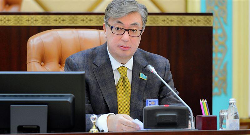 Президент Казахстана вручил награды накануне Дня защитника Отечества